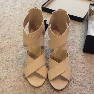 Nude 3.5 forever 21 black label heels.